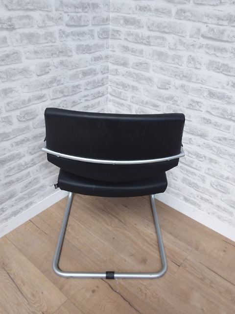 Designer Meeting Chair | FIL Furniture